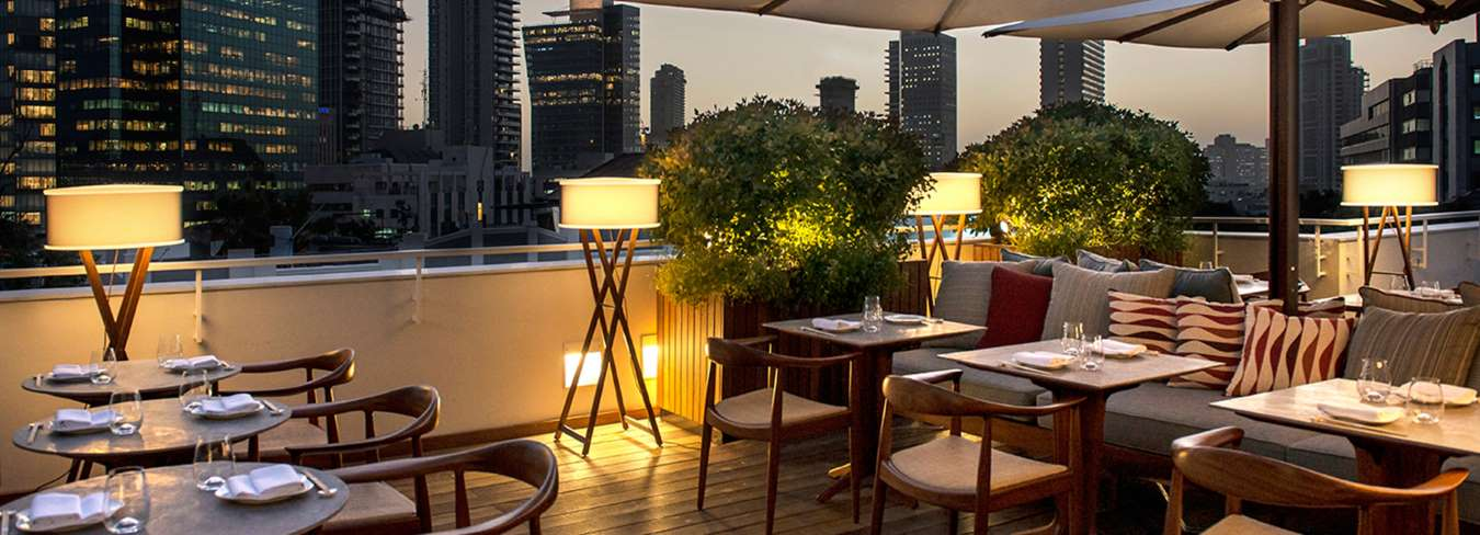 מסעדת יוקרה על הגג במלון דה נורמן